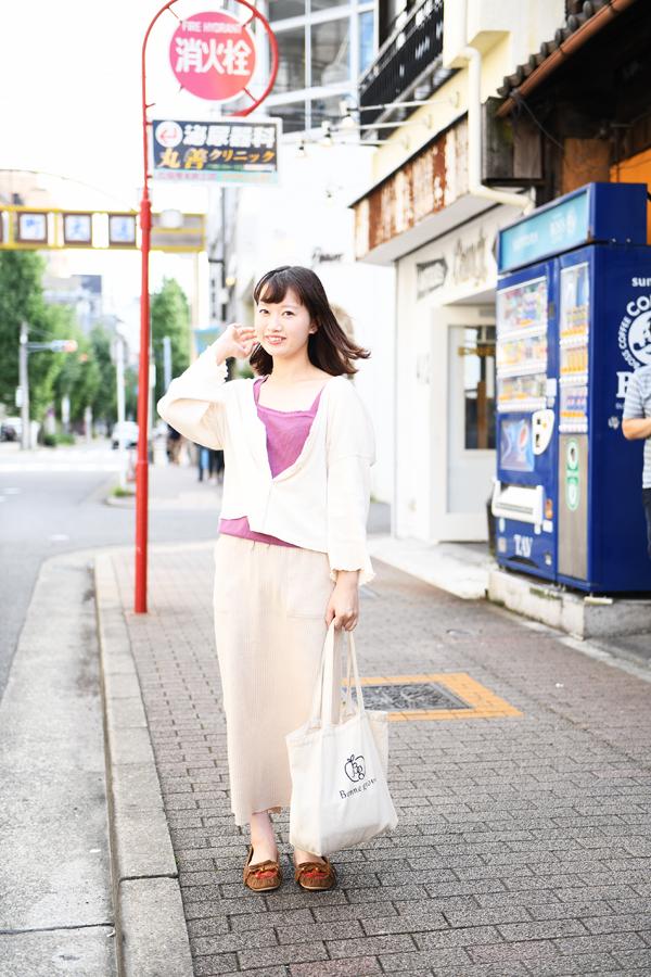 大須で撮影した村知舞美さん
