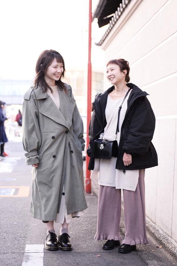 栄で撮影した(左)小嶋美咲さん (右)水谷裕美さん