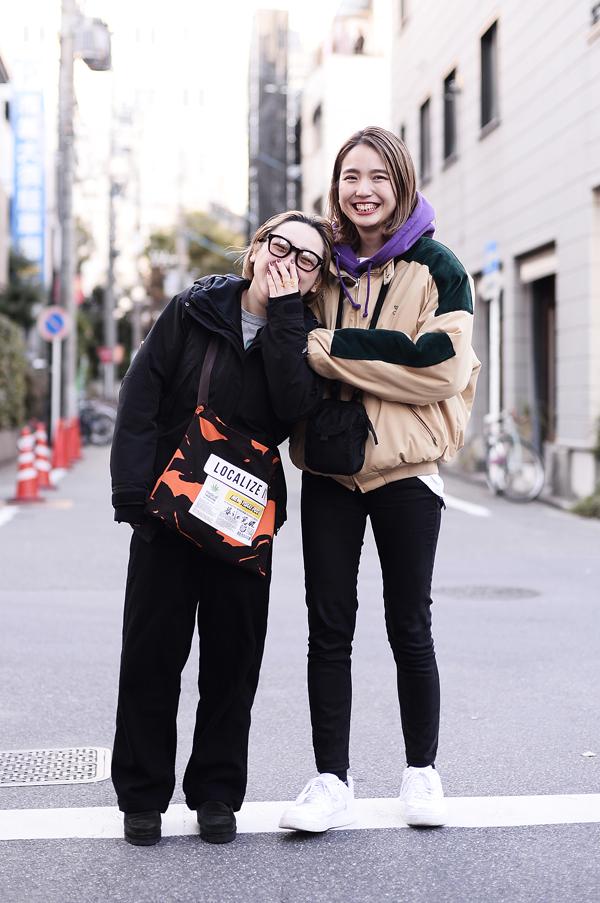 大須で撮影した(左)まなみ(右)Sae